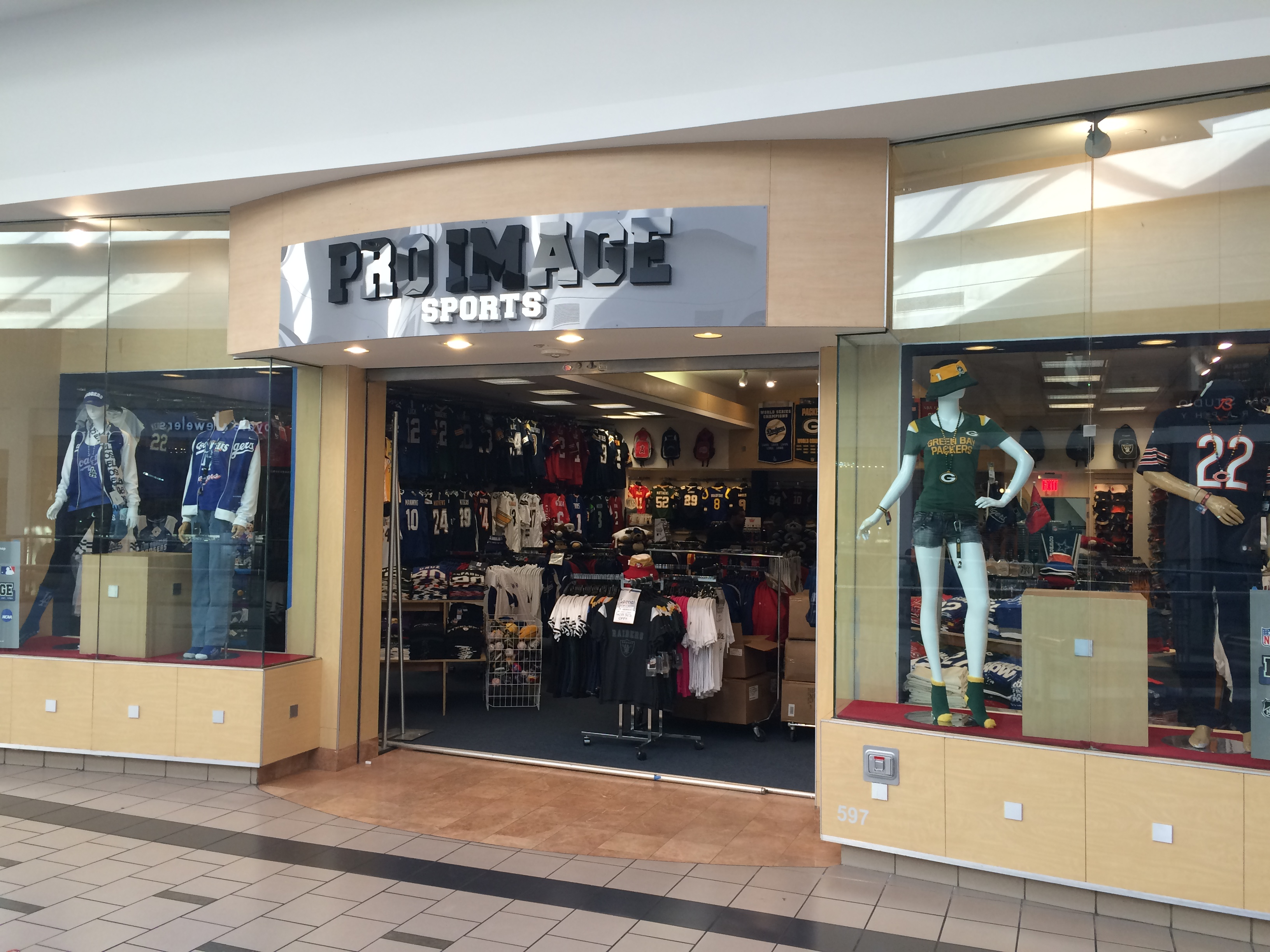 Rivas Opens Pro Image Sports in West Covina